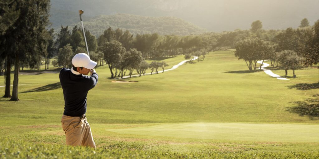 side-view-man-playing-golf